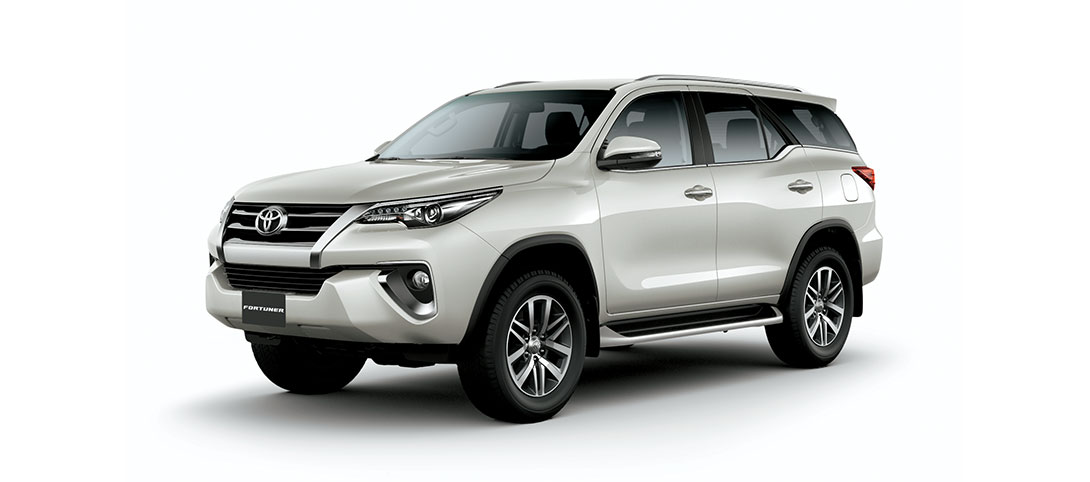 Fortuner White Pearl Crystal Shine